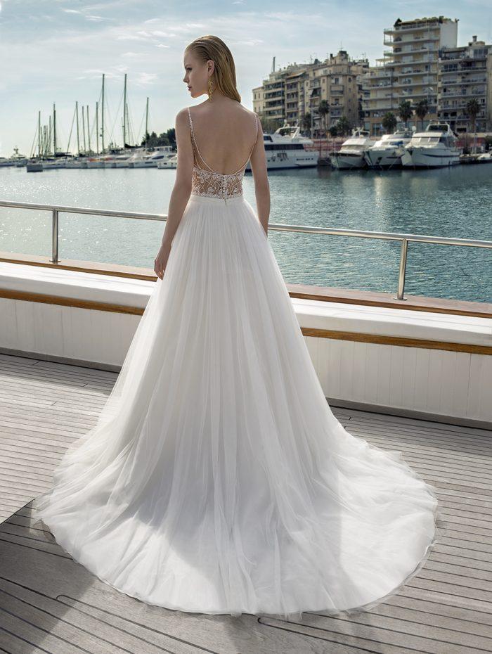 Vestido de novia con body y falda ancha