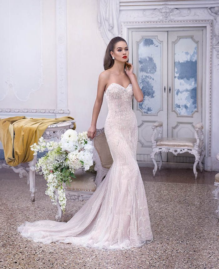 Vestido de novia de encaje original escote con el encaje