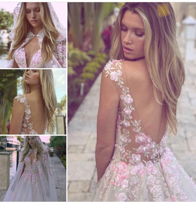 Vestido romántico con espalda abierta bordada con encaje