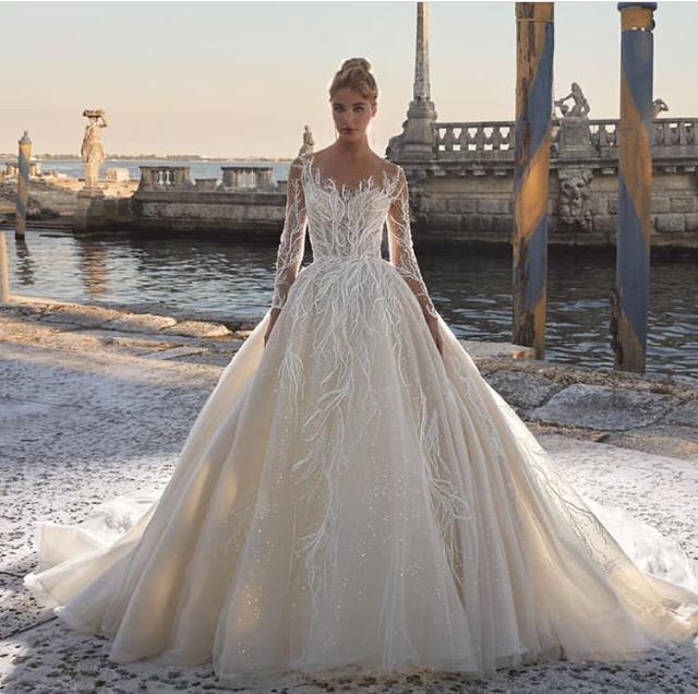 Vestido de novia ancho princesa con mangas