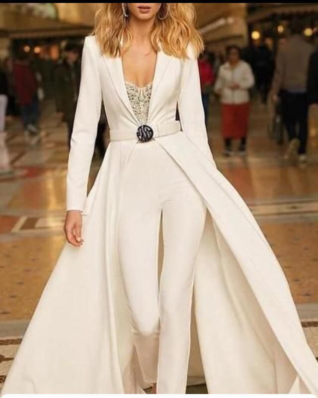 Vestido de novia con pantalón a medida personalizdo
