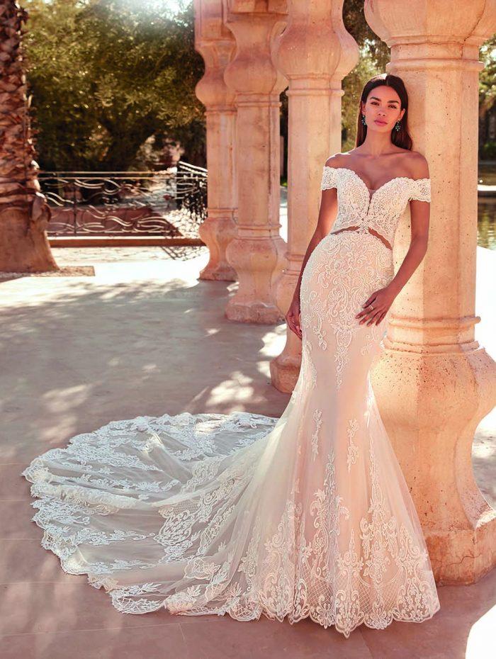 Vestido de novia con hombros al aire